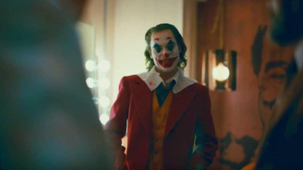 joker-movie-trailer-joaquin-phoenix-joker-laugh-fan-reactions